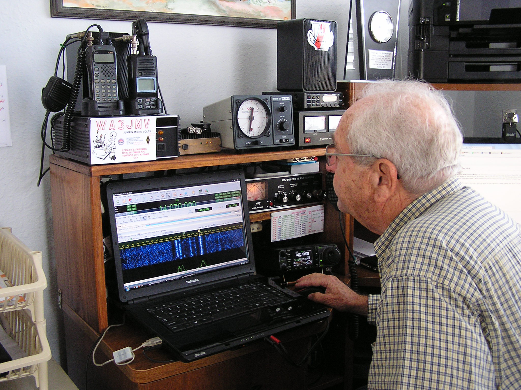 Stan monitoring the repeater